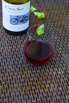 Took part in Cono Sur-blogger competition. http://www.jotainmaukasta.fi/2014/08/21/lohi-pinot-noir/