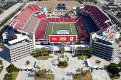 25 Incredible Aerial Photos of Stadiums Around the World Dead Mau5, Raymond James Stadium, Football Stadiums, Nfl Football, Tampa Bay Area, Live Set, Tampa Bay Buccaneers, Tampa Florida, Weird Pictures