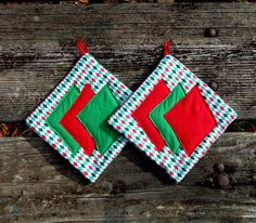 Christmas Pot Holder Set of 2 by marylandquilter on Etsy, $15.00