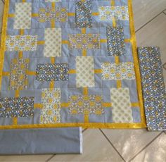 Yellow and grey quilt - very pretty but you should see how fantastic it looks with the beautiful surface quilting - some smaller images with the quilting are in the blog post | Michelle at Periwinkle Quilting and Beyond