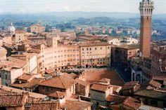 Vista aerea del centro storico di Siena.