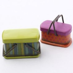 Miniature Brightly Painted Metal Vintage Look Picnic Baskets By Genevieve Gail Unknown http://www.amazon.com/dp/B00IZJEUBS/ref=cm_sw_r_pi_dp_Rj21vb0ZHY6KQ