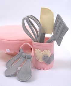 Items similar to All NEW Kitchen Utensils Set of 7 Eco Felt Play food Spatula Whisk Measuring Spoons on Etsy Homemade Toys, Homemade Gifts, Felt Diy, Felt Crafts, Diy For Kids, Crafts For Kids, Felt Food Patterns, Felt Play Food, Utensil Set
