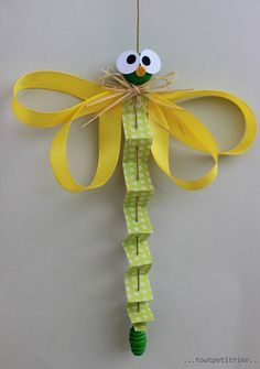 Dragonfly paper, tape and wooden bead. www. Animal Crafts For Kids, Craft Activities For Kids, Toddler Crafts, Diy Crafts For Kids, Projects For Kids, Fun Crafts, Arts And Crafts, Paper Crafts, Camping Crafts