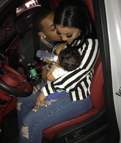 Find images and videos about couple, baby and family on we heart it - the app to get lost in what you love. Cute Black Couples, Cute Black Babies, Black Couples Goals, Cute Couples Goals, Freaky Relationship Goals Videos, Black Relationship Goals, Couple Goals Relationships, Life Goals, Cute Family