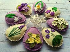 Felt Easter decor Violet flowers Lilac Easter Eggs Purple
