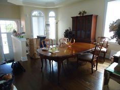 Malcolm French Provincial Dining set (cabriole legs on table)