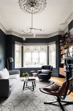 Having small living room can be one of all your problem about decoration home. To solve that, you will create the illusion of a larger space and painting your small living room with bright colors c… Living Room Grey, Home Living Room, Living Room Designs, Living Room Decor, Home Design, Interior Design, Design Ideas, Simple Interior, Deck Design