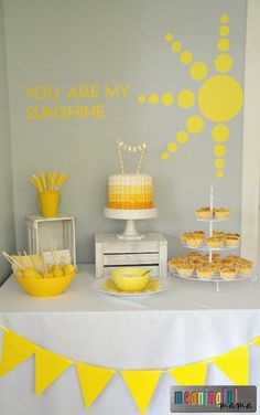 Birthday Party Ideas Sunshine Birthday Party Ideas - Food, Decoration and More - You Are my Sunshine Baby Shower Ideas too!Sunshine Birthday Party Ideas - Food, Decoration and More - You Are my Sunshine Baby Shower Ideas too! Yellow Birthday Parties, First Birthday Parties, Birthday Party Decorations, First Birthdays, Yellow Party Decorations, Rainbow Parties, Sunshine Birthday Parties, Baby Birthday, Birthday Ideas