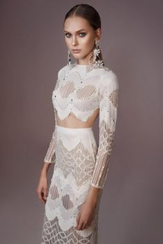 Fashion Friday: Lior Charchy Bridal Craft Label 2016 | Bejewelled | Headgear | Noserings | Fierce | White Dress | Chantilly lace | Tulle | Organza | Chiffon | Satin | http://brideandbreakfast.hk/2016/07/15/lior-charchy-bridal-craft-label-2016/