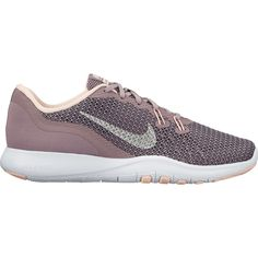 Tα γυναικεία παπούτσια προπόνησης Nike Flex TR 7 Bionic συνδυάζουν ελαφρύ και αεριζόμενο επάνω μέρος με πλατφόρμα στήριξης που έχει σχεδιαστεί για να προσφέρει ευελιξία και πρόσφυση στις κινήσεις προς κάθε κατεύθυνση. Εμπνευσμένα από τα ρωμαϊκά σανδάλια, έχουν νήματα στο μπροστινό μέρος για σταθερή εφαρμογή κατά την προπόνηση στο γυμναστήριο.