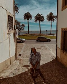 """𝐈𝐍𝐀𝐇 𝐃𝐎 𝐀𝐑𝐓𝐄 on Instagram: """"Chega a ser redundante eu dizer o quão lindo e poético é o Porto, mas um pedacinho dele que me faz suspirar é a Foz! Definitivamente é a…"""""""