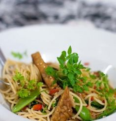 Spaghetti With Sesame Seeds And Tempeh