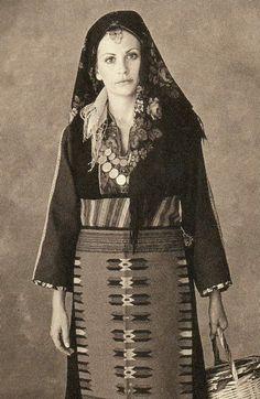 Greek Traditional Dress, Greek Dress, Dance Costumes, Greek Costumes, Greek Pattern, Greece Pictures, Greece Photography, Greek Beauty, Greek History