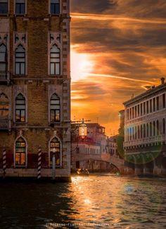 Venice - 3 Things to Know http://www.travelthingstodo.com/venice-italy-5-things-traveler-know/