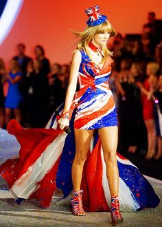 Taylor performing in the VS show 2013