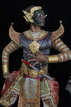 24 Trendy Fashion Show Concept Dresses Traditional Dresses, Traditional Art, Trendy Fashion, Fashion Show, Thai Design, Thai Pattern, Mask Dance, Vietnam, Thai Dress
