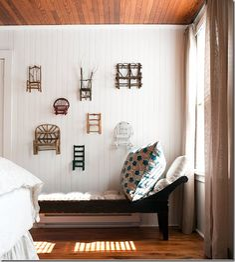 Decorar la pared con pequeñas sillas | Decoración Hogar, Ideas y Cosas Bonitas para Decorar el Hogar