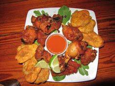 cuchifrito Spanish Projects, Puerto Rican Recipes, Puerto Ricans, Food Menu, Food Inspiration, Chicken, Cooking, The Neighborhood, Kitchen