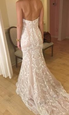 Watters 7041B: buy this dress for a fraction of the salon price on PreOwnedWeddingDresses.com