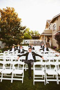 cute groomsmen photo op #groomsmen #chicagoweddingplanner