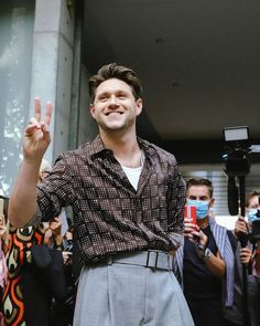 One Direction Albums, One Direction Background, Niall Horan News, Irish Singers, James Horan, Emporio Armani, Fashion Show, Men Casual, Husband