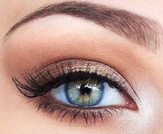 Light brown shimmery smokey eye. I love how it brings out the eye colour and looks so soft and romantic.