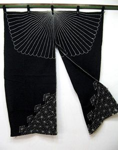 old noren with sashiko design Japanese Textiles, Japanese Fabric, Japanese Door, Sashiko Embroidery, Japanese Embroidery, Noren Curtains, Door Curtains, Shibori, Denim Art