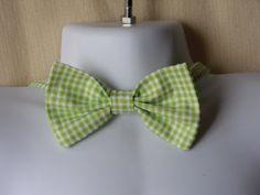 Spring Grass Green Seersucker  Boys Bow Tie by parksidewhimsey, $18.00