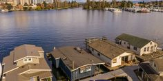 Brivity - 1213 E Shelby St #17 Seattle, WA - 98102 Portage Bay, Boat Parade, Floating Homes, Lake Union, Private Garden, House Prices, Seattle, Real Estate, Yard
