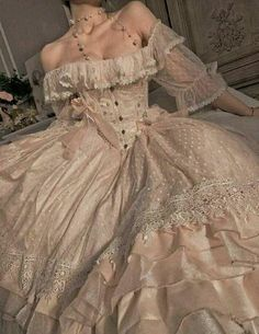 Source by Dresses princesses Aesthetic Fashion, Aesthetic Clothes, Aesthetic Outfit, Aesthetic Dark, Aesthetic Vintage, Pretty Dresses, Beautiful Dresses, Elegant Dresses, Mode Outfits