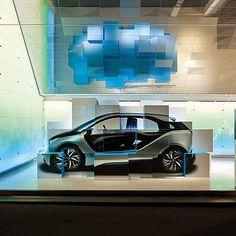BMW. Brand Store Paris.