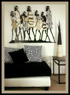 African Decor - Cozy Sitting Love the wall piece African Bedroom, African Living Rooms, African Themed Living Room, Deco Ethnic Chic, Ethnic Decor, African Interior Design, African Design, African Style, Tribal African