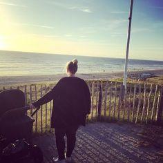 Manchmal braucht man einfach eine kleine Auszeit / Sometimes you just need a little time out. Thanks to @__alina_blanco__ #abcdesign #thinkbaby #stroller #pushchair #instagood #walk #sun #sunset #beach #outside #outdoor #sky #fun #sweet #little #kid #baby #mom #motherlove #familytime #photooftheday #babyphotooftheday