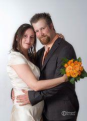 Fotograferat av Pia Larsson. Fotograf Pia Larsson Malmö Mera om bröllop och fler brudparhittar du på Nygifta.nu. På www.nygifta.se/kan alla ha sin bröllopsannons gratis. Fotografen ordnar det.  Mera om bröllop och fler brudpar hittar du på www.nygifta.se