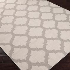 Love this for the living room Ironwork Trellis Dhurrie Rug: 6 Colors Inexpensive Rugs, Affordable Rugs, Trellis Rug, Trellis Pattern, Dhurrie Rugs, Up House, Do It Yourself Home, Quatrefoil, Grey Rugs