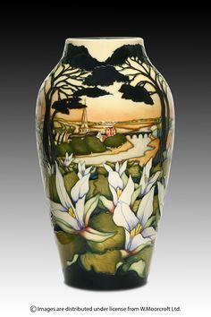 Moorcroft - Pottery   TRINITY FLOWER