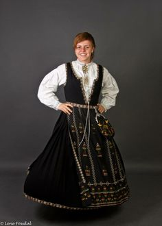 Bilde, Nordfjordsbunad Folk Costume, Costumes, Victorian, Dresses, Fashion, Pictures, Gowns, Moda, Dress Up Outfits