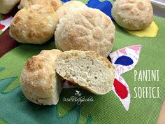 I panini soffici sono perfetti a colazione, a merenda o come pane per accompagnare in tavola i vostri piatti. Provate questa ricetta semplice :)