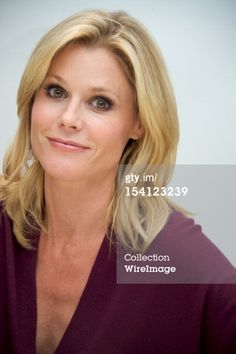 Love Julie Bowen's hair.  I pretty much already have this haircut. It just needs to grow out a little :)