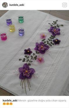 Lila mor Ribbon Embroidery Tutorial, Silk Ribbon Embroidery, Crewel Embroidery, Hand Embroidery Patterns, Irish Crochet Patterns, Crochet Motif, Crochet Flowers, Ribbon Work, Cross Stitch Designs