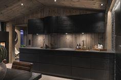 BUD MOTTATT! Spektakulær utsikt fra Fageråsens fineste tomt. Totalrenovert hytte der alt er tenkt på. | FINN.no Project R, Wooden Cabins, Bath Design, Sweet Home, House Design, Interior, Kitchen, Home Decor, Sea Side