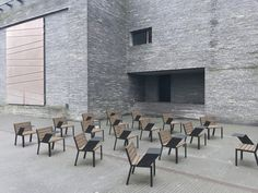 HOP HOP chairs are now available with little tables on the sides for right- or left-handed students to be arranged freely in any kind of schoolyard, garden or campus. Making it possible to keep the distance of a baby elephant, kangaroo, alligator or whatever distance is recommended in your country. #staysafe #keepingdistance #schoolsupplies #schoolfurniture #campus #teachinginspiration #outdoorclassroom #socialdistance #campussafety #fightthevirus #furnituredesign #archiproducts #landarch School Furniture, Outdoor Classroom, Left Handed, Baby Elephant, Kangaroo, Distance, Furniture Design, Tables, Students