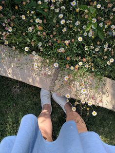 Imagem de aesthetic, cool, and pale Flower Aesthetic, Blue Aesthetic, Aesthetic Photo, Aesthetic Pictures, Photos Tumblr, Fake Photo, Girly Pictures, Insta Photo Ideas, Pinterest Photos