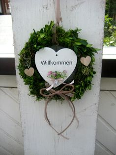 Landhaus Türkranz WILLKOMMEN, Wanddekoration von SternenglanzClemens auf Etsy Artificial Boxwood, House Doors, Country Style Homes, Door Wreaths, The Fresh, Welcome, Wall Decor, Etsy, Gifts