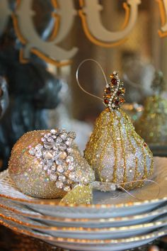 Romancing the Home - sparkly holiday table decor
