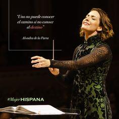 Alondra de la Parra, una mexicana exitosa que dirige la orquesta Filarmónica de NY