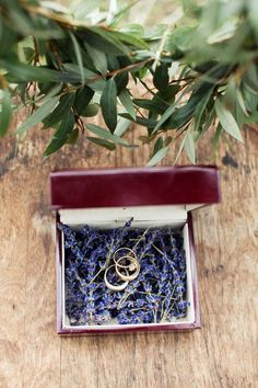 wedding invitations lavender New wedding invites lavender simple 24 ideas Blue Wedding Rings, Wedding Ring Box, Wedding Boxes, Purple Wedding, Wedding Day Cards, Wedding Reception Music, Fall Wedding Colors, Wedding With Kids, Wedding Table Numbers