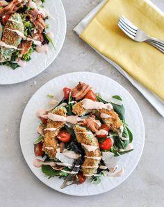 Crispy Avocado BLT Salad I howsweeteats.com