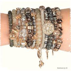 NEWS!   Vanaf nu te koop, sieraden van het merk Biba, love your life girls. Prijzen v.a. €4,95.   Leuk om te geven of om te krijgen in je schoentje.    Bij interesse en/of vragen graag mailen naar: jillabilla1@icloud.com